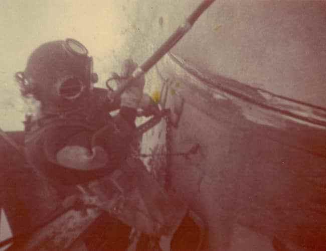 diving-suit-1970s